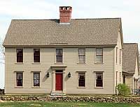 Plan Traditional Photo Gallery Colonial Narrow Lot Corner Lot House Plans & Home Designs (Salt Box Shed Plans) Colonial Exterior, Colonial House Plans, Exterior Paint, Modern Colonial, Exterior Trim, Exterior Colors, Saltbox Houses, Old Houses, Table Farmhouse
