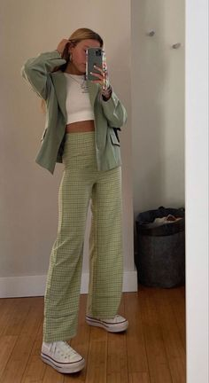 Teen Fashion Outfits, Retro Outfits, Cute Casual Outfits, Vintage Outfits, Green Outfits, Ootd Fashion, Mode Indie, Mode Hipster, 40s Mode