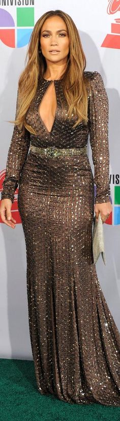 Red Carpet fashion dress - Jennifer Lopez That's hot! :)