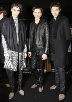 Rock and biker influences blend with the iconic patterns of the Maison backstage at #RobertoCavalli Menswear FW14!