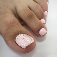 Nail art Christmas - the festive spirit on the nails. Over 70 creative ideas and tutorials - My Nails Pretty Toe Nails, Cute Toe Nails, Pedicure Nail Art, Toe Nail Art, Red Nails, Hair And Nails, Summer Toe Nails, Nagel Gel, Toe Nail Designs