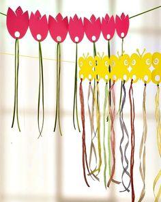 slinger van lentebloemen