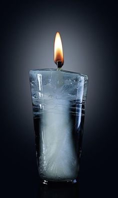 ice candle: May love and light guide you through the darkness of the night. Candels, Candle Lanterns, Diy Candles, Ideas Candles, Homemade Candles, Floating Candles, Scented Candles, Chandeliers, Ice Photo
