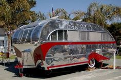 I NEED THIS 1947 Aero Flite Trailer, my life will not be complete until I own an. - I NEED THIS 1947 Aero Flite Trailer, my life will not be complete until I own an awesome vintage tr - Old Campers, Vintage Campers Trailers, Retro Campers, Vintage Caravans, Camper Trailers, Happy Campers, Retro Caravan, Camper Caravan, Airstream