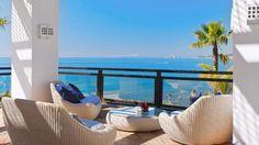 So eine schöne Aussicht bekommt man im H10 Estepona Palace an der Costa del Sol in Spanien auch schon zum kleinen Preis.