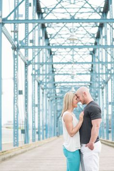 Downtown Chattanooga, Tennessee engagement photos by Shane and Beth of Shane Hawkins Photography. Click to see more photos by Knoxville wedding photographers.