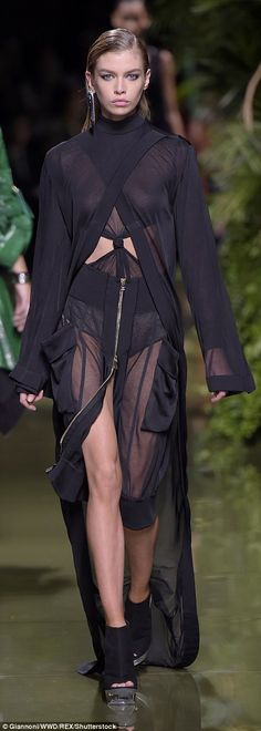 Chest a glimpse! Jourdan Dunn's ensembles were slightly more conservative compared to the ...