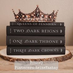 Three dark queens Are born in a glen Sweet little triplets Will never be friends 👑 Three dark sisters All fair to be seen Two to devour… I Love Books, Good Books, Books To Read, My Books, Book Suggestions, Book Recommendations, Book Club Books, Book Lists, Dark Books