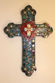 Mosaic cross by Barb Ferguson - ideas for customer Mosaic Crafts, Mosaic Projects, Mosaic Art, Mosaic Glass, Mosaic Tiles, Stained Glass, Glass Art, Fused Glass, Mosaic Crosses