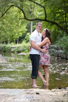 Laura|Marie|Photography engagement shoot, creek, love, summer time, couple