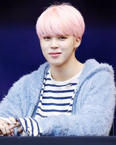 """I love Jimin with pink hair  170224 Myeongdong Fansign Event ©the luminary ♡"""""""