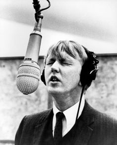 Harry Nilsson in the studio