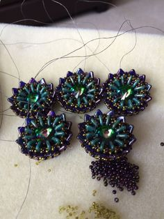 Components - rivolis, triangles, rulla, 8 and 15 seed beads