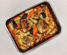 Egy finom Tepsis csirkecomb zöldségkörettel ebédre vagy vacsorára? Tepsis csirkecomb zöldségkörettel Receptek a Mindmegette.hu Recept gyűjteményében!