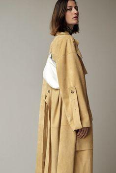 #inspo #fashion #Celine #prefall16 #coat #thefrankieshop #frankienyc #frankiegirl Céline, Look #8