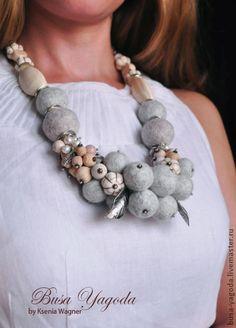 Textile Jewelry, Fabric Jewelry, Jewelry Art, Beaded Jewelry, Jewellery, Brooches Handmade, Handmade Jewelry, Felt Necklace, Flower Quilts