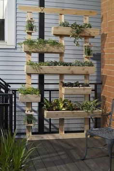 deko ideen selbermachen vertikaler garten pflanzenbehälter gartendeko ideen