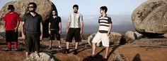 """Um dos principais representates da nova geração da música pernambucana, o grupo Mombojó lança """"Mombojó 11º Aniversario"""", dia 16 de março, no Circo Voador. A meia entrada sai por R$ 30 se apresentado o flyer ou 1kg de alimento não perecível. A inteira fica por R$ 60. O quarto e mais recente disco da banda...<br /><a class=""""more-link"""" href=""""https://catracalivre.com.br/rio/bom-bonito-barato/barato/mombojo-realiza-show-no-circo-voador/"""">Continue lendo »</a>"""