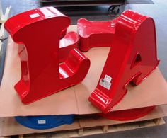 Channel Letter Signs  ■3-D handcrafted letters or sign boxes  ■Constructed from heavy gage, rustproof aluminum  ■Internally illuminated, reverse lighted or a combination of both  ■UL approved  ■Optional LED (green) illumination
