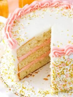Food Cakes, Cupcake Cakes, Cake Recipes, Dessert Recipes, Easy Desserts, Champagne Cake, New Year's Cake, Strawberry Champagne, Strawberry Moscato