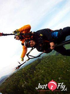 :) radost pasaziera v tandemovom lete nad Stranikom (pri Ziline) http://www.justfly.sk/