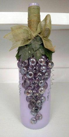 Garrafas decoradas com cacho de uvas - Dicas Práticas