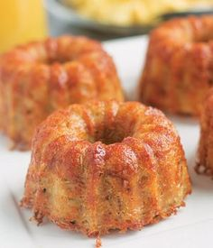 Crispy Parmesan Hash Brown Bundts are crispy on the outside, fluffy and cheesy on the inside. With some scrambled eggs, toast and juice Breakfast is served! (Check EYB for big one. Potato Side Dishes, Vegetable Dishes, Breakfast Dishes, Breakfast Recipes, Breakfast Ideas, Brunch Recipes, Brunch Ideas, Vegetable Recipes, Potato Recipes