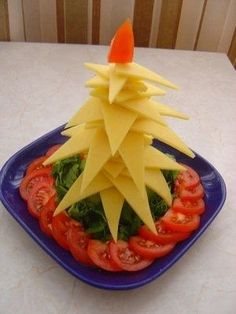 Christmas trees of appetizers - Home Restaurant - Culinary site Yummy Appetizers, Appetizer Recipes, Cheese Tree, Food Carving, Christmas Party Food, Christmas Trees, Edible Food, Edible Arrangements, How To Eat Better