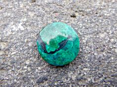 Genuine Peruvian chrysocolla gemstone, a polished round green gemstone of peruvian Chrysocolla for jewelries, good quality Chrysocolla - pinned by pin4etsy.com