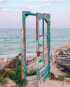 """We have a new for you from in Romania. """"This picture was taken in Vama Veche, on the Black… Sports Nautiques, Station Balnéaire, Summer Vibes, Ladder Decor, Good Morning, Outdoor Structures, Doors, Wallpaper, Nature"""