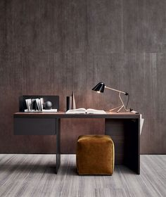 Scriba - A modern wooden office desk with very clean lines and perforated top support which provides a sense of lightness. Office Interior Design, Home Office Decor, Office Interiors, Home Decor, Office Desk, Design Furniture, Office Furniture, Design Hotel Paris, Living Divani