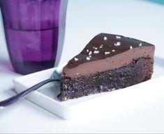 Kladdkaka med chokladtryffel & flingsalt   Älska att Baka Fika, Wedding Cakes, Brunch, Pudding, Cupcakes, Sweets, Maj, Snacks, Recipes