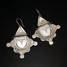 Bijoux Ethniques Touareg Boucles d'Oreilles en Argent Etoiles 05 Grandes - Perles Noires