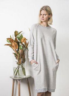 Kostenloses Schnittmuster für eine Jersey-Kleid mit Raglan-Ärmeln ❤ mit Anleitung ❤ Größe 8 - 16 ❤ für Damen ❤ selber nähen ✂ Jetzt Nähtalente.de besuchen ✂