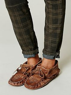 THESE...I need them NOW!!! Free People, I love your shoes sooooo much...Hopewell Moccasin