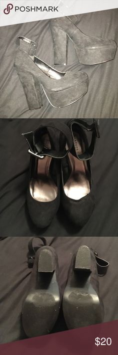 Black heels Excellent condition, only worn once. Side with an ankle strap. Forever 21 Shoes Heels