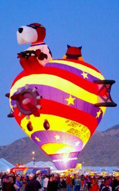 倫☜♥☞倫   Snoopy balloon during the balloon glow   **....♡♥♡♥♡♥Love★it