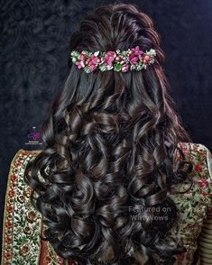 Super flowers in hair half up hairdos Ideas Wedding Hairstyle Images, Wedding Hairstyles For Long Hair, Trendy Hairstyles, Hairstyle Ideas, Hair Wedding, Vintage Hairstyles, Anime Hairstyles, School Hairstyles, Saree Hairstyles