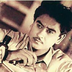 Kishore Kumar, Legendary Singers, Indian Language, Vintage Bollywood, Indian Movies, Film Industry, Screenwriting, Bollywood Actress, Movie Stars