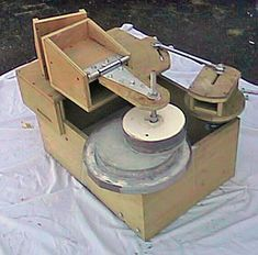 A Mirror O Matic machine Telescope Craft, Cosmos, Radio Astronomy, Watch Diy, Curiosity Rover, Electron Microscope, Science And Nature, Life Science, Space Exploration