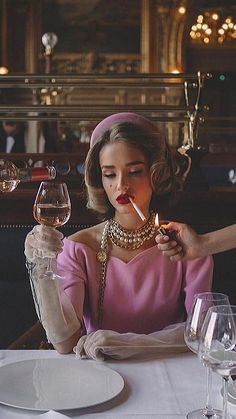 Fashion outfits on lady-vogue Boujee Aesthetic, Bad Girl Aesthetic, Aesthetic Vintage, Aesthetic Pictures, Artist Aesthetic, Aesthetic Fashion, Photography Poses, Fashion Photography, Glamour Photography