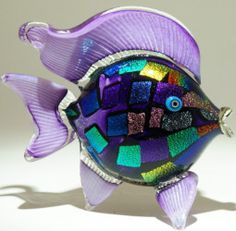 Art glass fish - glass art from Kela's Gallery :: This is a FANTASTIC SHOP I have visited on Kauai, wonderful items. Glass Rocks, Glass Art, Dichroic Glass, Hand Blown Glass, Colored Glass, Stained Glass, Sculptures, Shop My, Hand Painted