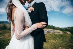 Finearts, bryllupsfotograf og historieforteller. Tilgjengelig på verdensbasis- Based in Lofoten Islands, Norway. finearts,wedding,bryllupsfotograf,historieforteller, Lofoten, Island, Wedding Dresses, Fashion, Bride Dresses, Moda, Bridal Gowns, Fashion Styles, Weeding Dresses
