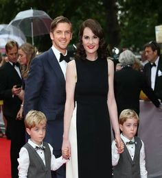 Dan Stevens & Michelle Dockery with the twins that played George. Let's…