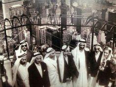 """محمد بن راشد ينشر صورة له بصحبة والده أثناء زيارتهما مبنى """"الإمباير ستيت"""" في الستينيات"""