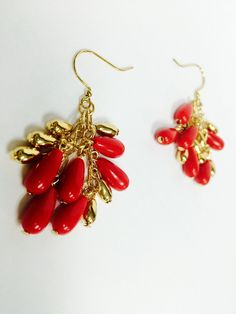 Vintage Red and Gold Drop Earrings by ModernMagnolias on Etsy https://www.etsy.com/listing/218731409/vintage-red-and-gold-drop-earrings
