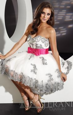 such a cute dress for sweet 16 or as we celebrate in Brazil, 15....GREAT DRESS!