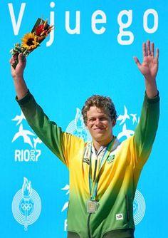 Cesar Cielo - Único nadador brasileiro a ocupar o topo do pódio em Jogos Olímpicos também brilhou no Pan. No Rio de Janeiro, em 2007, foi soberbo ao levar três ouros. Ali, começava o domínio nos 50 m, distância que lhe traria os títulos olímpico e mundial.