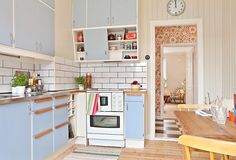 When you speak about various designing styles for your kitchen, the thing that arrives to your brain is the retro kitchen style. Mdf Cabinet Doors, Mdf Cabinets, Shaker Kitchen Cabinets, Kitchen Cabinet Colors, Diy Kitchen Decor, Kitchen Dining, Kitchen Ideas, Eclectic Furniture, Kitchen Stories