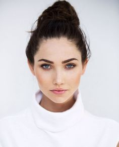 Gorgeous Model Jessica Green Is A Mix Of Miranda Kerr And Megan Fox - Airows